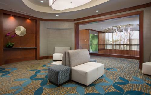 Courtyard-Marriott-Fort-Lauderdale-Beach-Lobby