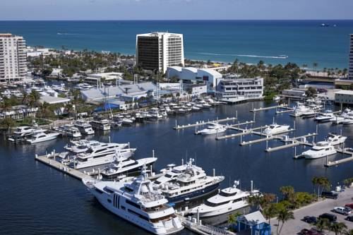 Courtyard-Marriott-Fort-Lauderdale-Beach-marina