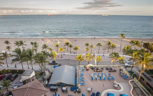 Courtyard-Marriott-Fort-Lauderdale-Beach-ocean-front-view