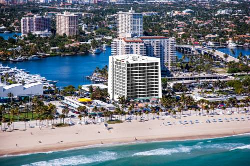 Courtyard-Marriott-Fort-Lauderdale-Beach