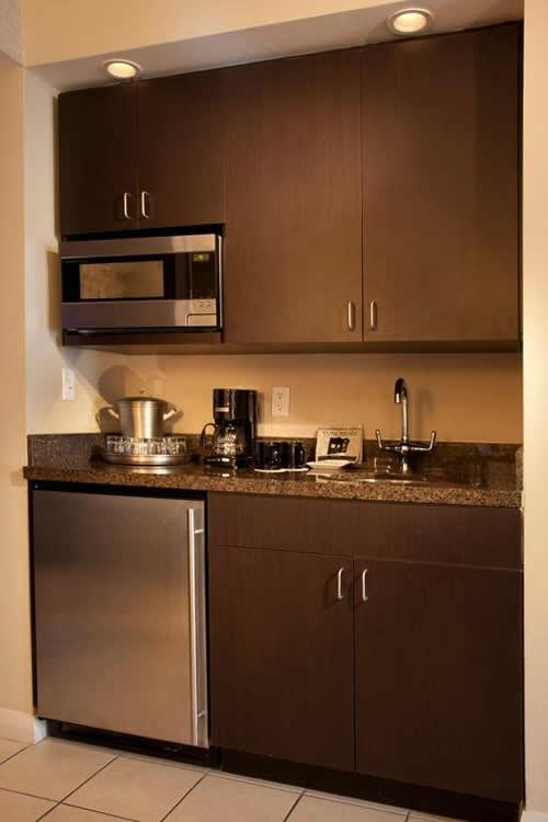 Crowne-Plaza-Hollywood-Beach-Resort-Hotel-kitchen