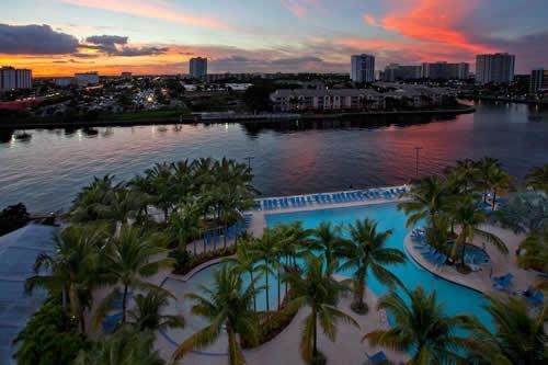 Crowne-Plaza-Hollywood-Beach-Resort-Hotel-pool-6