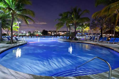 Crowne-Plaza-Hollywood-Beach-Resort-Hotel-pool-9