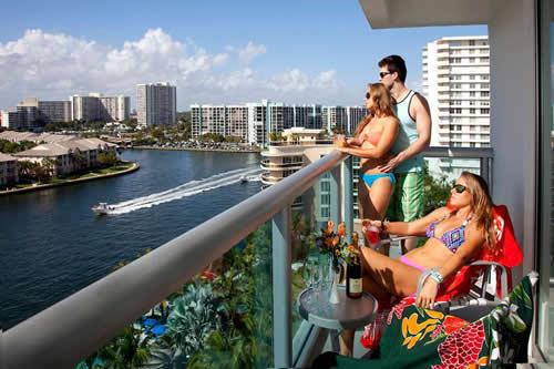 Crowne-Plaza-Hollywood-Beach-Resort-Hotel-view