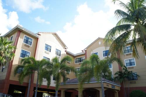 Extended-Stay-America-Fort-Lauderdale-Convention-Ctr-Cruise-Port-front-1