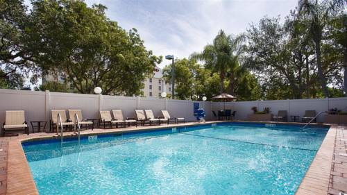best-western-fort-lauderdale-airport-cruise-port-pool