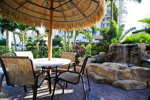 best-western-plus-oceanside-inn-pool-area
