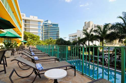 best-western-plus-oceanside-inn-pool-deck