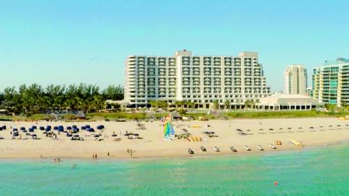 fort-lauderdale-marriott-harbor-beach-resort-spa