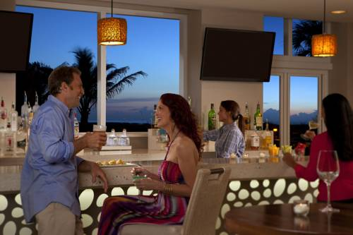 fort-lauderdale-marriott-pompano-beach-resort-spa-bar-grill