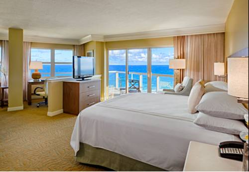 fort-lauderdale-marriott-pompano-beach-resort-spa-bed-room1