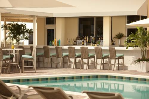 fort-lauderdale-marriott-pompano-beach-resort-spa-pool-side-bar1