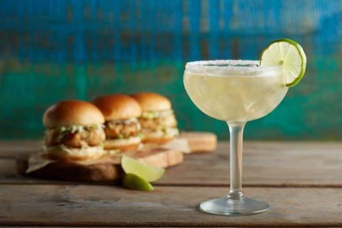 hollywood-beach-margaritaville-beachfront-resort-drinks