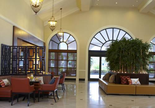 renaissance-fort-lauderdale-cruiseport-hotel-lobby