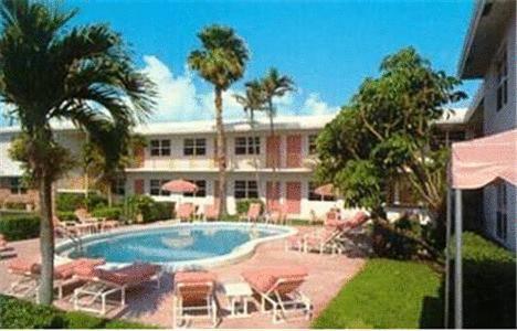 shore-haven-resort-inn-lauderdale-by-the-sea-pool-2