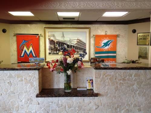 stadium-hotel-miami-dolphins-lobby