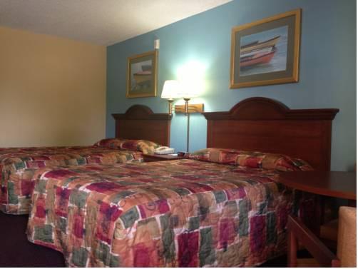 super-8-dania-fort-lauderdale-airport-bedroom